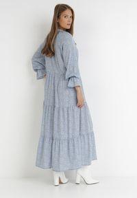 Born2be - Niebieska Sukienka Ganig. Typ kołnierza: dekolt w serek. Kolor: niebieski. Długość rękawa: długi rękaw. Wzór: kwiaty, aplikacja. Sezon: jesień, lato
