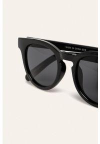 Czarne okulary przeciwsłoneczne Vans owalne