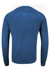Niebieski sweter Adriano Guinari na co dzień, z dekoltem w serek