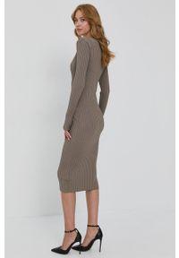 Guess - Sukienka. Kolor: szary. Materiał: tkanina, dzianina. Długość rękawa: długi rękaw. Wzór: gładki. Typ sukienki: dopasowane
