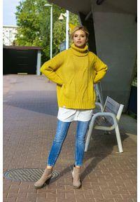 Żółty sweter oversize Fobya z golfem