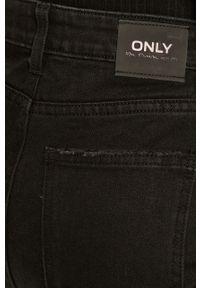 Czarne proste jeansy only z aplikacjami