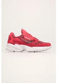 Różowe buty sportowe adidas Originals na średnim obcasie, na obcasie, z cholewką