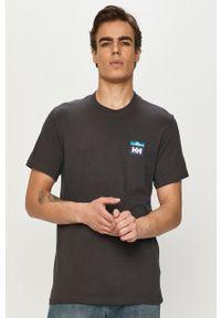 Szary t-shirt Helly Hansen na co dzień, casualowy, z nadrukiem