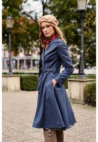 Marie Zélie - Płaszcz wełniany Achillea niebieski. Kolor: niebieski. Materiał: wełna. Wzór: motyw zwierzęcy, ze splotem. Sezon: zima #8