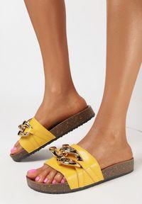 Born2be - Żółte Klapki Nixishia. Nosek buta: okrągły. Kolor: żółty. Materiał: guma. Styl: klasyczny