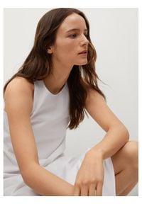 mango - Mango Sukienka letnia Domingo 87009405 Biały Regular Fit. Kolor: biały. Sezon: lato