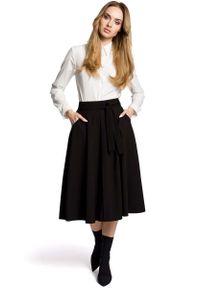 MOE - Czarna Rozkloszowana Wizytowa Spódnica Midi z Paskiem. Kolor: czarny. Materiał: poliester, wiskoza, elastan. Styl: wizytowy