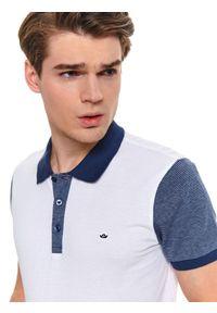 Biały t-shirt TOP SECRET wakacyjny, w kolorowe wzory, na lato, krótki
