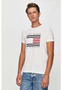 Biały t-shirt TOMMY HILFIGER z nadrukiem, na co dzień, casualowy, z okrągłym kołnierzem