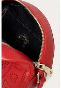 Love Moschino - Torebka. Kolor: czerwony. Rodzaj torebki: na ramię