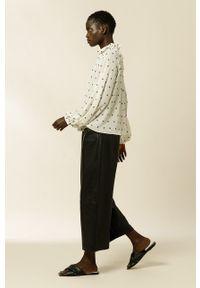 IVY & OAK - Bluzka BLANCA. Kolor: beżowy. Materiał: materiał, poliester. Długość rękawa: długi rękaw. Długość: długie