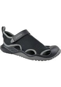 Czarne sandały Crocs sportowe, w kolorowe wzory