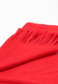 Czerwony szalik Renee