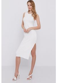 BARDOT - Bardot - Sukienka. Kolor: biały. Materiał: materiał. Typ sukienki: dopasowane