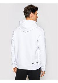 Karl Lagerfeld - KARL LAGERFELD Bluza 705027 511900 Biały Regular Fit. Typ kołnierza: dekolt w karo. Kolor: biały