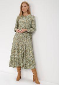Born2be - Zielona Sukienka Cecane. Okazja: na co dzień. Kolor: zielony. Długość rękawa: długi rękaw. Wzór: kwiaty, aplikacja. Styl: klasyczny, casual. Długość: maxi