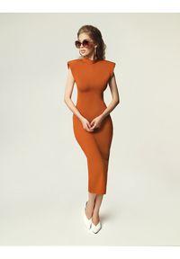 Madnezz - Sukienka Jagg - karmel. Okazja: na imprezę. Materiał: elastan, wiskoza