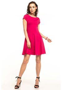 Różowa sukienka rozkloszowana Tessita na lato