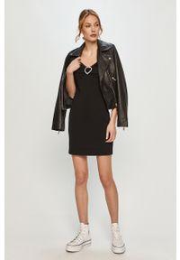 Czarna sukienka Love Moschino gładkie, na ramiączkach, casualowa, mini