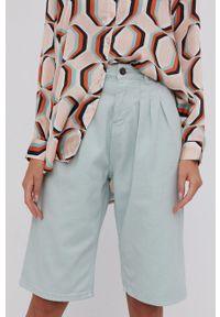 Answear Lab - Szorty jeansowe. Okazja: na co dzień. Stan: podwyższony. Kolor: turkusowy. Materiał: jeans. Styl: wakacyjny
