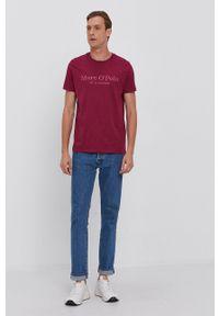 Marc O'Polo - T-shirt bawełniany. Okazja: na co dzień. Typ kołnierza: polo. Kolor: fioletowy. Materiał: bawełna. Wzór: nadruk. Styl: casual