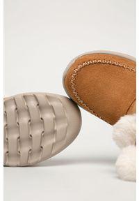 Beżowe śniegowce skechers z cholewką, z okrągłym noskiem, na sznurówki