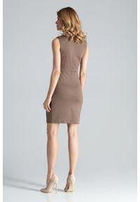 Figl - Dopasowana sukienka mini bez rękawa klasyczna mocca. Okazja: do pracy, na imprezę. Styl: klasyczny. Długość: mini #3