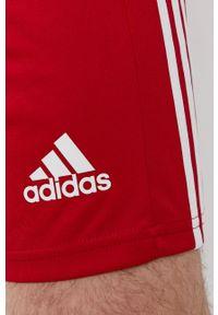 adidas Performance - Szorty. Okazja: na co dzień. Kolor: czerwony. Materiał: dzianina, materiał. Wzór: gładki. Styl: casual