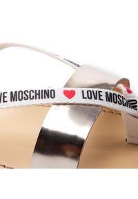 Japonki Love Moschino
