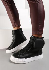 Renee - Czarno-Białe Botki Cecyrea. Wysokość cholewki: za kostkę. Nosek buta: okrągły. Zapięcie: klamry. Kolor: czarny. Szerokość cholewki: normalna. Wzór: geometria. Obcas: na platformie