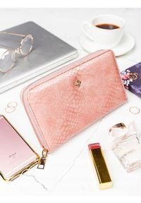 MILANO DESIGN - Pojemny portfel damski różowy Milano Design. Kolor: różowy. Materiał: skóra ekologiczna