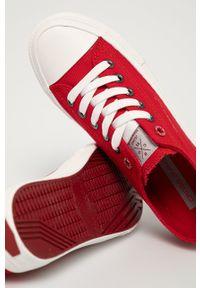 Cross Jeans - Tenisówki. Nosek buta: okrągły. Zapięcie: sznurówki. Kolor: czerwony. Materiał: guma