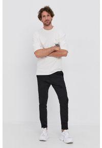 Drykorn - T-shirt bawełniany Bruce. Kolor: biały. Materiał: bawełna. Wzór: nadruk