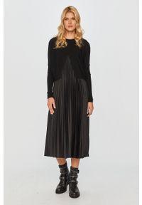 Czarna sukienka AllSaints midi, na ramiączkach, plisowana