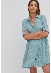 Answear Lab - Sukienka. Kolor: turkusowy. Materiał: tkanina. Długość rękawa: długi rękaw. Typ sukienki: rozkloszowane. Styl: wakacyjny
