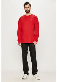 Vans - Longsleeve. Okazja: na co dzień. Kolor: czerwony. Materiał: materiał. Długość rękawa: długi rękaw. Styl: casual