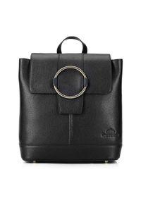 Wittchen - Damski skórzany plecak z metalowym kółkiem. Kolor: czarny. Materiał: skóra. Wzór: haft, paski. Styl: klasyczny, elegancki