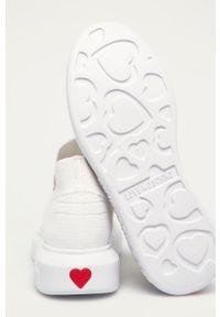 Love Moschino - Buty. Nosek buta: okrągły. Kolor: biały. Materiał: guma. Obcas: na platformie