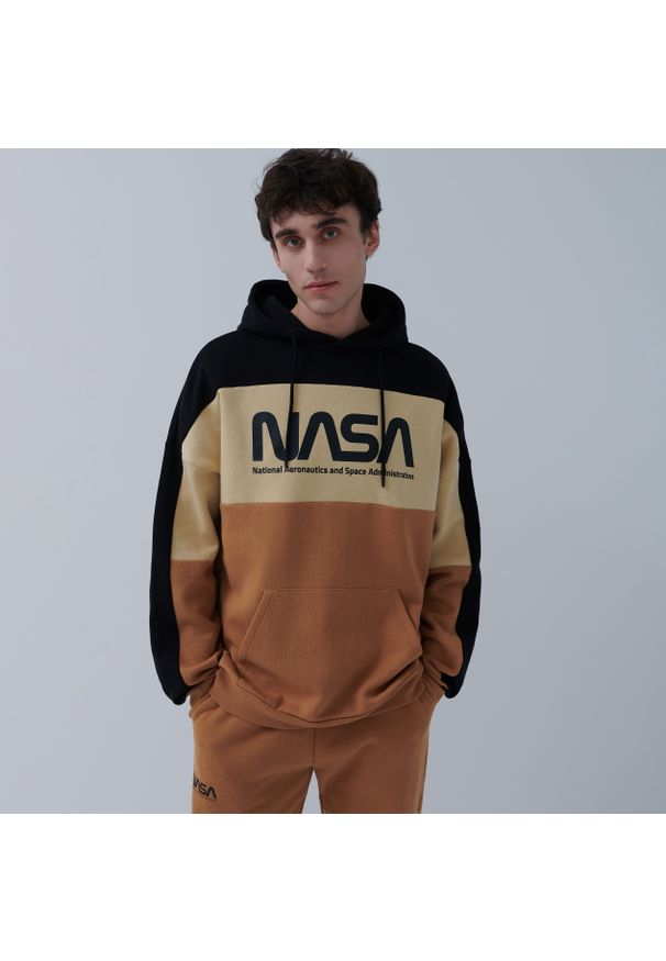 House - Bluza z kapturem NASA - Wielobarwny. Typ kołnierza: kaptur