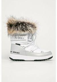 Białe śniegowce Moon Boot na obcasie, z cholewką