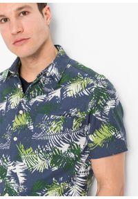 Koszula z krótkim rękawem, z lnem, Slim Fit bonprix niebieski indygo z nadrukiem. Kolor: niebieski. Materiał: len. Długość rękawa: krótki rękaw. Długość: krótkie. Wzór: nadruk