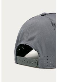 Szara czapka z daszkiem Nike z nadrukiem