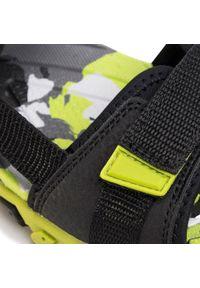 Czarne sandały Superfit na lato