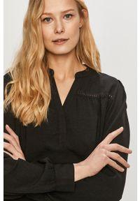 Jacqueline de Yong - Sukienka. Kolor: czarny. Materiał: tkanina. Długość rękawa: długi rękaw. Wzór: gładki