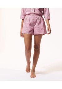 Różowa piżama Etam w kwiaty
