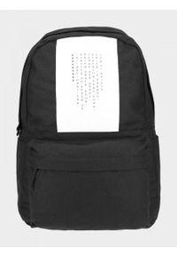 outhorn - Plecak miejski 22 l. Materiał: bawełna, tkanina. Wzór: aplikacja. Styl: casual