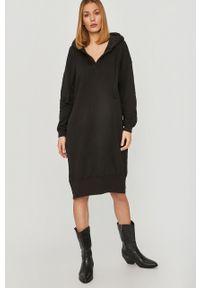 Czarna sukienka Answear Lab mini, na co dzień