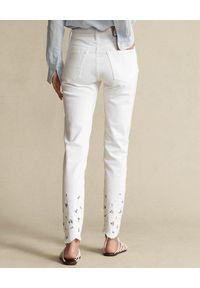 Ralph Lauren - RALPH LAUREN - Białe jeansy z haftem. Stan: podwyższony. Kolor: biały. Wzór: haft