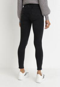 Born2be - Czarne Jeansy Skinny Hermime. Okazja: na co dzień. Stan: podwyższony. Kolor: czarny. Wzór: aplikacja. Styl: casual #5